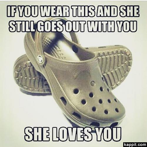 840df4548e464 If you wear this and she still goes out with you she loves you png 500x500
